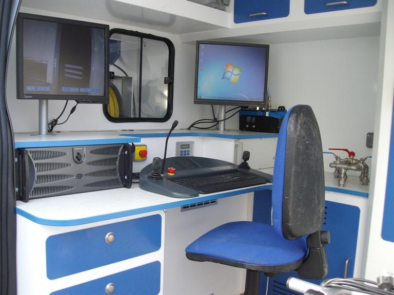 Ecran de contrôle de caméra d'inspection de canalisation - ORIAD POITOU CHARENTES - recherche de fuite, débouchage de canalisation, vidange d'assainissement individuel, ramonage de cheminée...